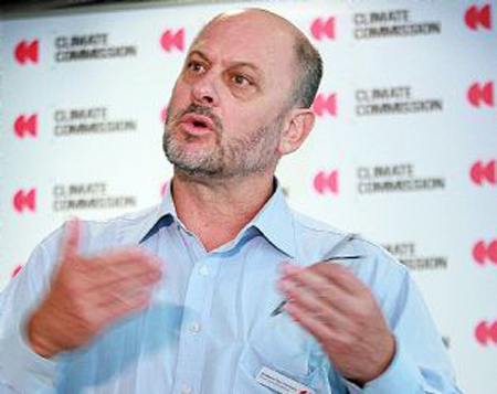 Tim Flannery at the launch of the Commission's Tasmanian report. PHOTO KIM EISZELE (MERCURY).
