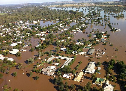 North Wagga Wagga at the height of the floods. PHOTO: THE AGE