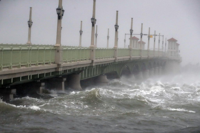 This coastal bridge at St Augustine, in north-coastal Florida, feels the force of Hurricane Matthew as it passes offshore on 7 October. PHOTO Minneapolis Star Tribune